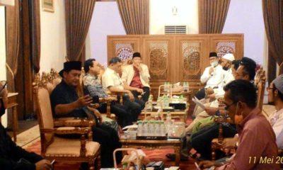 Bupati dan Tokoh Masyarakat lakukan pertemuan di pendopo ngawiji ngesti.